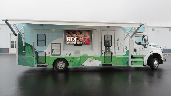 Bookmobile Comes to Streams of Hope!